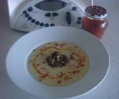 Crema de repollo y patatas con champiñones