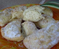 Empanadillas rellenas de bizcocho a la vainilla