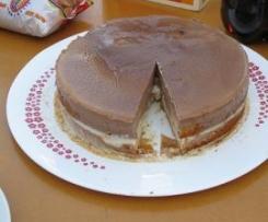 Tarta bizcocho con dos chocolate