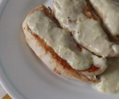 Solomillos de pollo con salsa de puerro