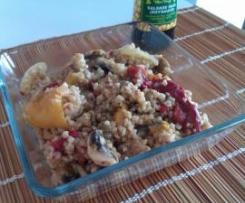 Bulgur con pimientos asados, champiñones y salsa de soja (vegano)