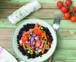 Ensalada templada de arroz venere con verduritas y chopitos con Sal Maldon ® en escamas ®