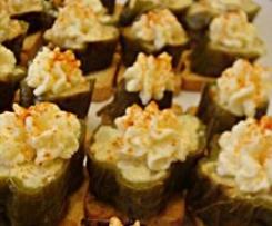 Montaditos de pimientos verdes rellenos de tortilla de patata