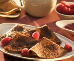 Crepes de chocolate rellenas con frambuesas (Teresa Safont)