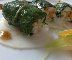 """""""Sushi"""" cocido de dorada y acelgas con requesón, verduras y emulsión de vinagre balsámico sobre cama de patata blanca"""