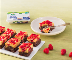 Brownie con cheesecake de frambuesa con queso ARLA  ®