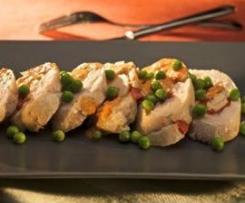 Merluza en salsa de piquillo con guisantes (Montse Bas)