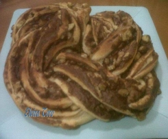 KRINGLE ESTONIA DE CHOCOLATE, NUECES  Y PLATANO