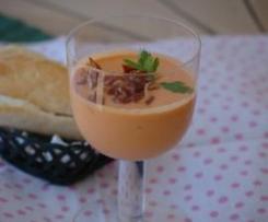 Gazpacho con calabacín y jengibre.