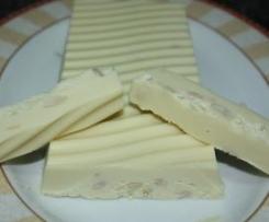 TURRON DE CHOCOLATE BLANCO Y PIÑONES