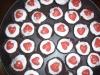 Muffins de chocolate, frutos secos y adorno especial san valentín
