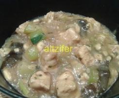 Tempeh con verduras y choucroute (vegano)