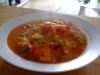 Bacalao al vapor con salsa de tomate y verduras
