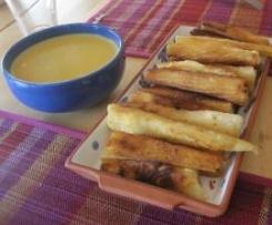 Yuca frita con salsa a la Huancaína