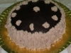 Tarta con crema pastelera de turrón y cobertura de chocolate