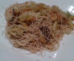 Fideos chinos con col y shiitake (vegano)