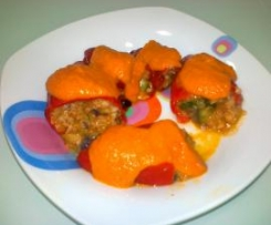 Pimientos del piquillo rellenos de gambas y verduras