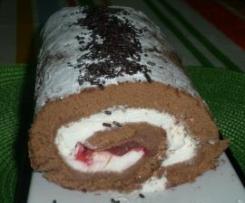 Brazo de gitano de chocolate con nata y corazón de fresa
