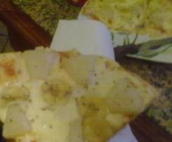 Pizza de platano y piña