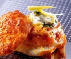 Hamburguesa de salmón con mantequilla de hierbas