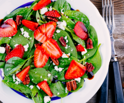 Ensalada de Espinacas con Fresas y Nueces