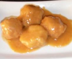 Albóndigas de pollo en salsa de cebolla