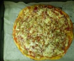 Pizza de atún y queso