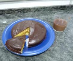 Bizcocho de naranja relleno de orange curd y con cobertura de chocolate