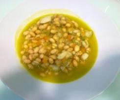 Potaje de habas de soja con calamar