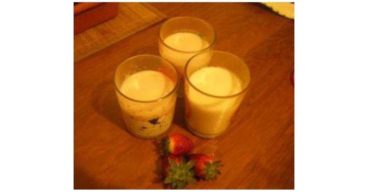 Mouse de yogurt con fresas naturales por m w b la receta de thermomix se encuentra en la - Postres con fresas naturales ...