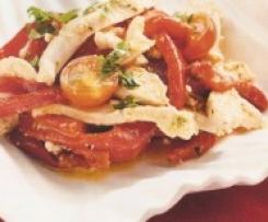 Ensalada fría de pollo, pimiento y almendras