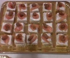 Canapés de salmón con anacardos o pistachos