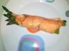 Rollitos de salmón y espárragos gratinados