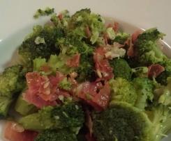 Brócoli salteado con jamón serrano