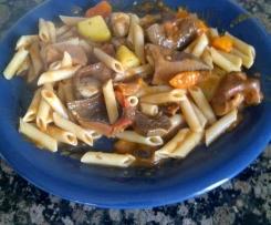 """pasta con """"rovellons"""", champiñones, zanahoria y calabacín"""