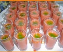Chupitos de gazpacho..con toque de aguacate
