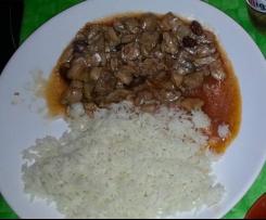 Pollo con almendras y arroz basmati