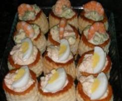 Vol Au Vent de aguacate con gambas y de atún con huevo y salsa rosa