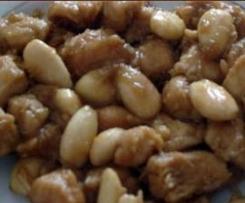Pechuga de pollo con almendras y soja