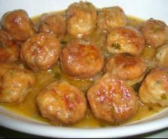 albondigas de pescado en salsa
