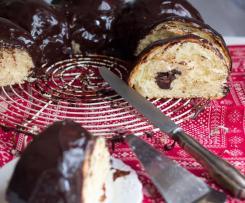 Roscón de Reyes con glaseado espejo de chocolate