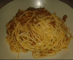Espaguetis con berenjena y atún