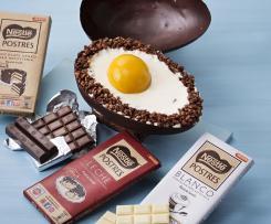 Mona de pascua en huevo de chocolate Nestlé ® postres