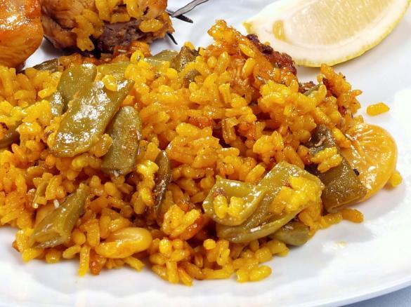 Arroz Meloso De Pollo Y Conejo Arros En Casola