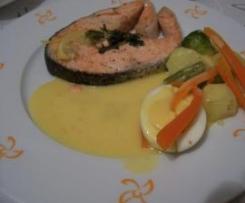 Salmón al vapor con verduras y crema