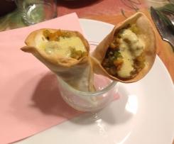 Cono de verduras con salsa de queso de cabra