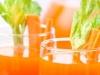 Zumo depurativo de manzana apio y zanahoria