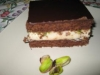 Tarta de queso con chocolate y pistachos