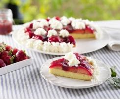 Bizcocho con fresas y nata