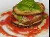 Mil hojas de berenjena con tomate natural